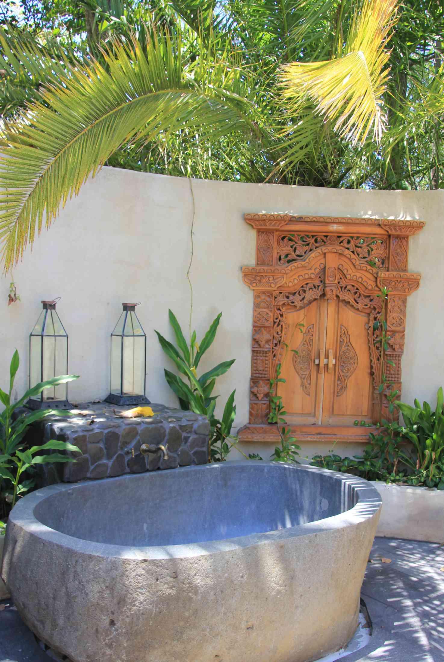 Balinese style outdoor bathroom