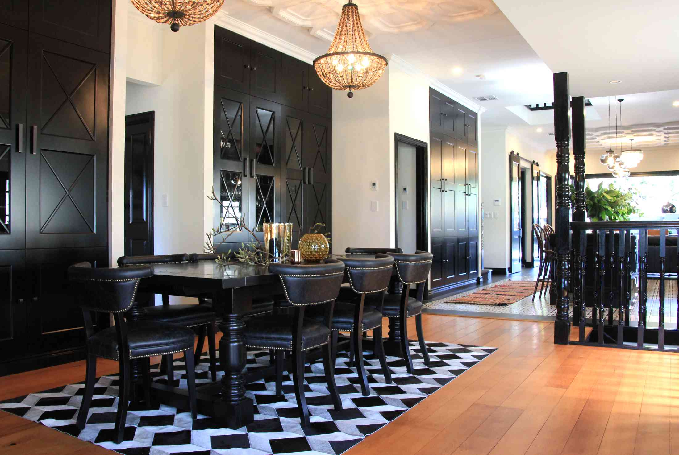 Modern traditional eclectic dining room design